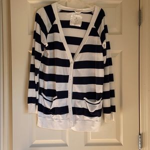 Navy and white Aerie sweater. Size large